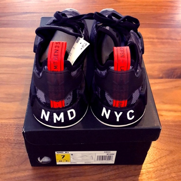 online store 5d398 4c3ed Adidas NMD R1 NYC Black Camo NWT